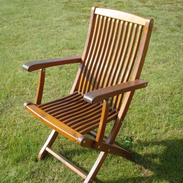 Café Klara Folding Chair with Armrests Honey Eden Wood